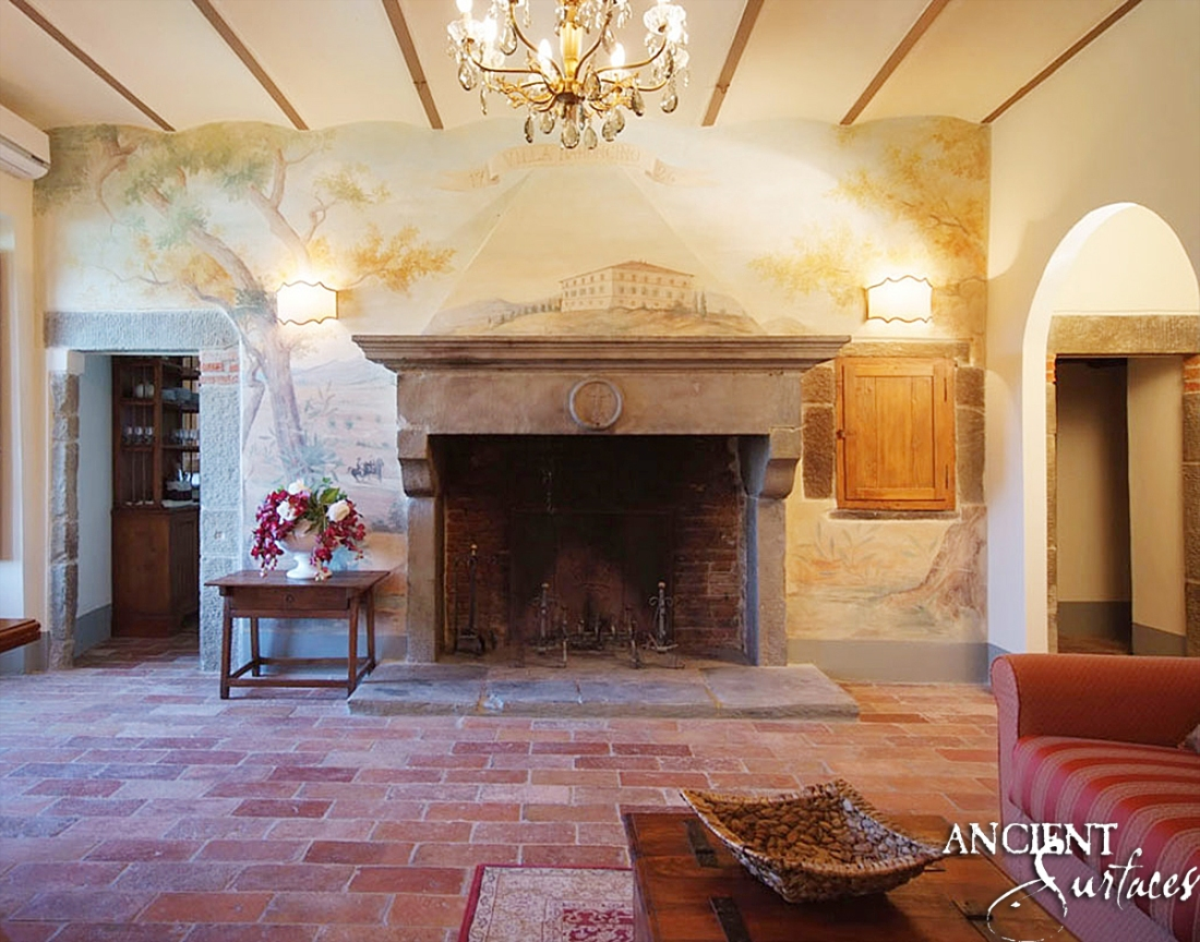 Villa-Baroncino-fireplace