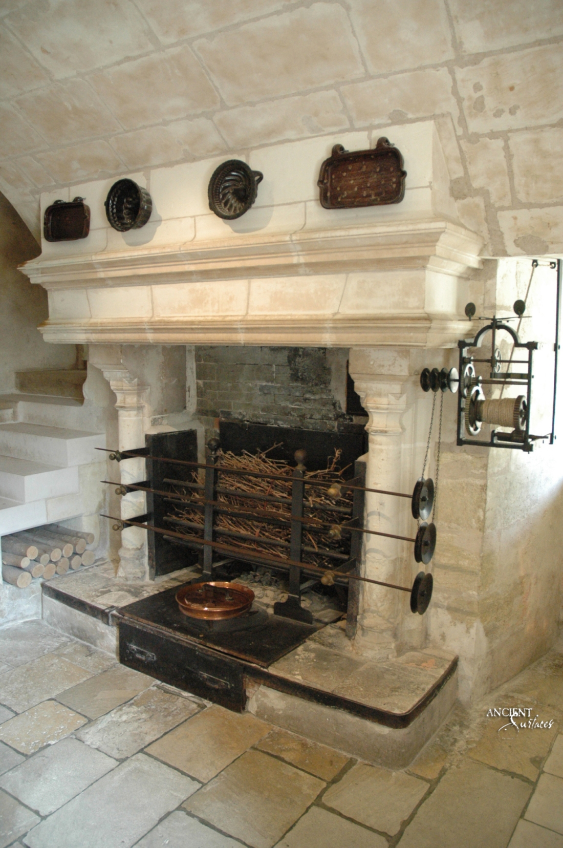 Chenonceau-Kitchen-limestone-Fireplace