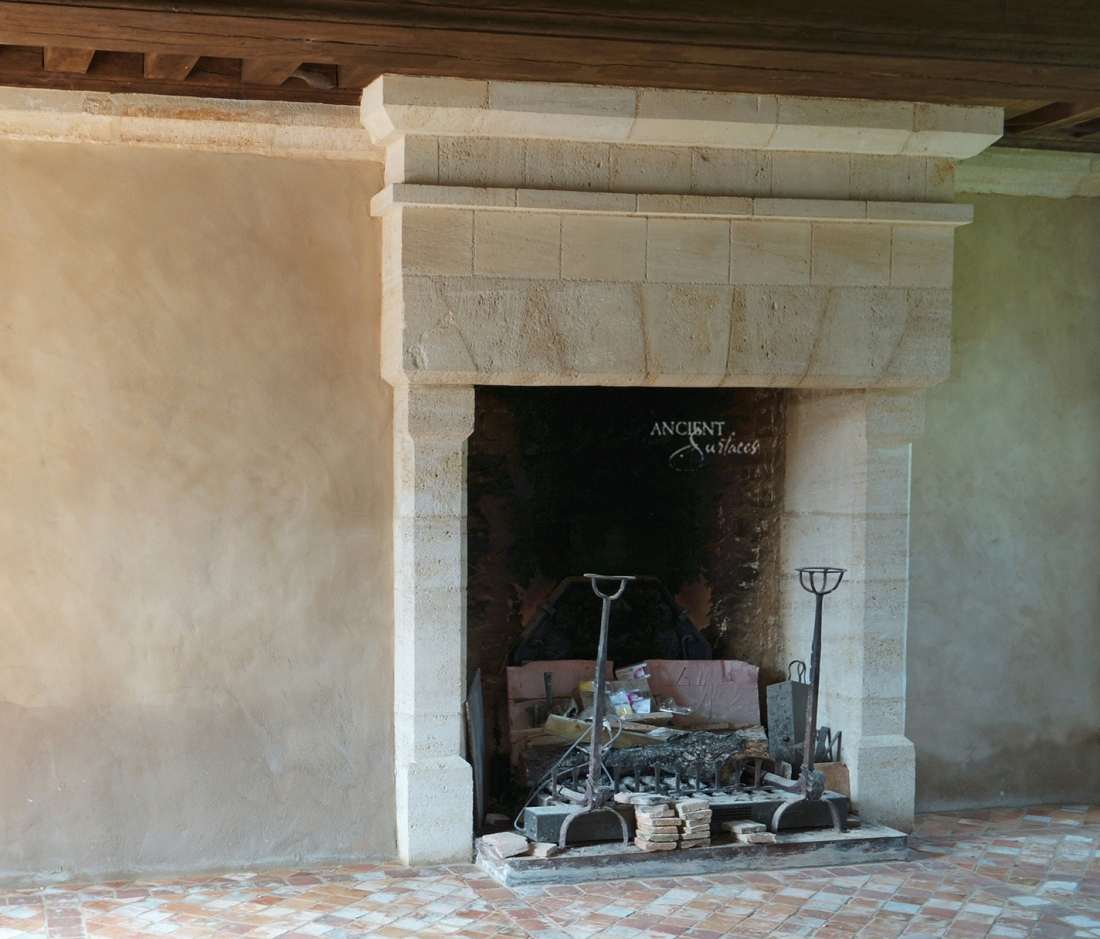 beautiful-limestone-fireplace-design-idea