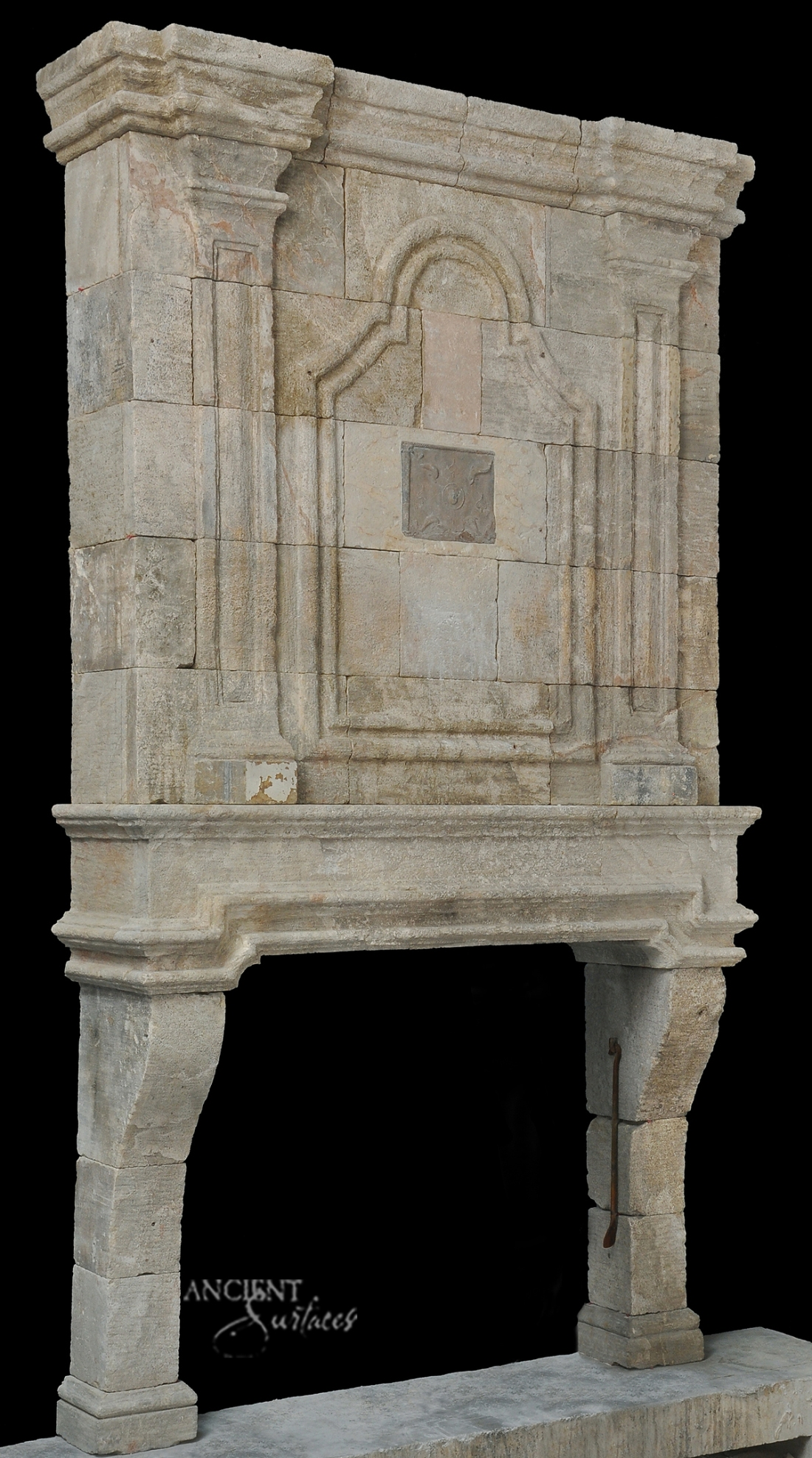 limestone-over-mantel-fireplace-design