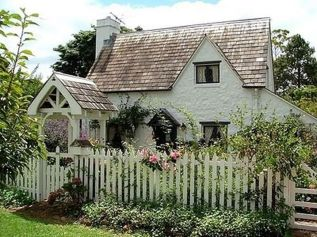 30-European-Cottage-Design-34